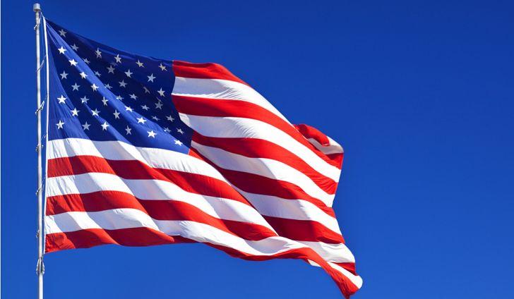 तिसऱ्या नंबरवर आहे जगातील सर्वात शक्तीशाली देश अमेरिका. प्लॅस्टिकच्या बाजारपेठेत 9.2 टक्के भागीदारी या देशाची असून यातून 7.2 अरब डॉलर देशाला मिळतात.
