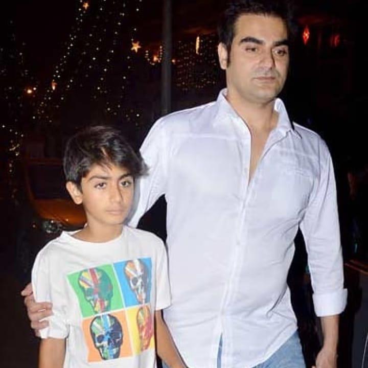 मलायकाचा मुलहा अरहान खानचं आपल्या आई- वडिलांसोबतच संपूर्ण खान कुटुंबाशी घट्ट नातं आहे. सलमानसोबतचे त्याचे अनेक व्हिडिओ सोशल मीडियावर व्हायरल होत असतात.