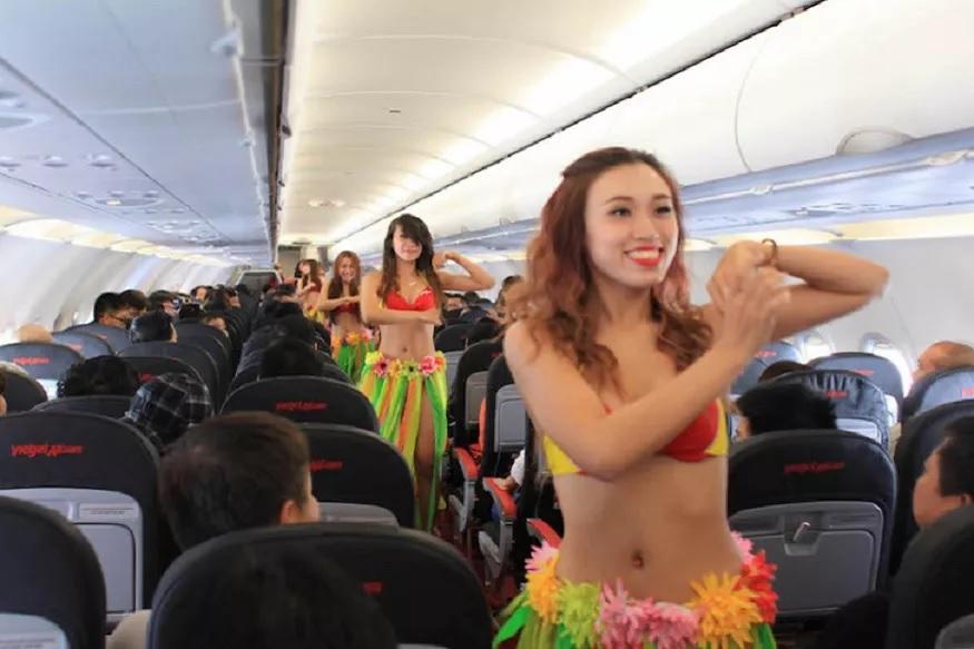 स्वत:च्या बळावर अब्जपती बनलेल्या एका व्हिएतनामी महिलेने ही विमानकंपनी सुरू केली. जाहिरातींमुळेच ही एअरलाइन्स मार्केटमध्ये प्रवेश करण्याआधीच जोरात होती. आता तर ही विमानकंपनी चांगलाच फायदा मिळवते आहे.