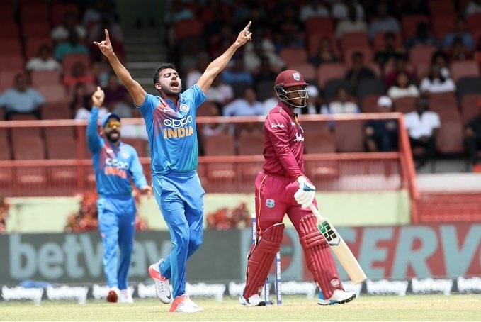 ऋषभ पंत आणि विराट कोहली यांनी अर्धशतके केली. भारताचा गोलंदाजी दीपक चाहरनं तीन षटकांत फक्त 4 धावा देत विंडीजचे तीन गडी बाद केले. त्यानं केलेल्या टिच्चून माऱ्यामुळे विंडीजला 146 धावांत रोखता आलं. चाहरनं सामनावीर पुरस्कार पटकावला.