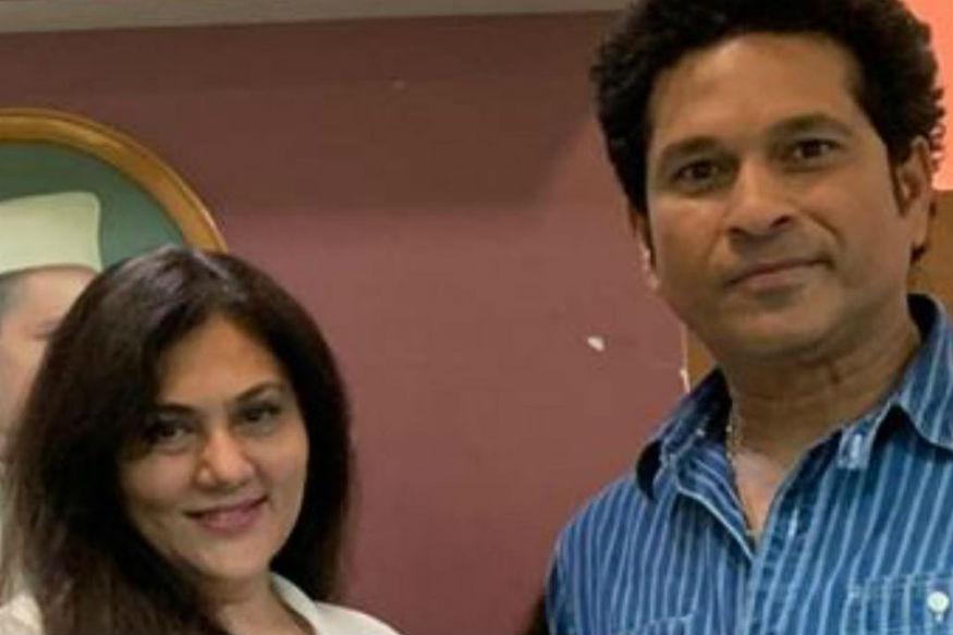 याशिवाय तिनं भारताचा महान क्रिकेटपटू सचिन तेंडुलकर याच्यासोबतचाही एक फोटो तिच्या फेसबुक अकाउंटवर पोस्ट केला आहे.