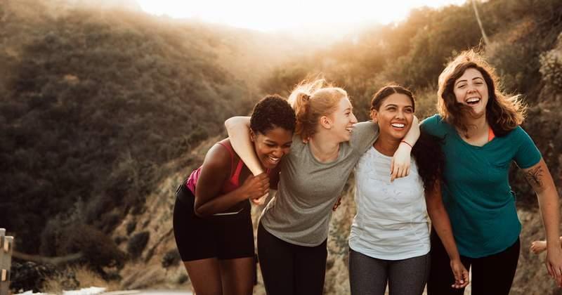 नेहमी उशीरा येणारा मित्र- फक्त ५ मिनिटांत पोहोचतो असं सांगून किमान एक तास उशिरा येणारा मित्र प्रत्येक ग्रुपमध्ये असतोच.
