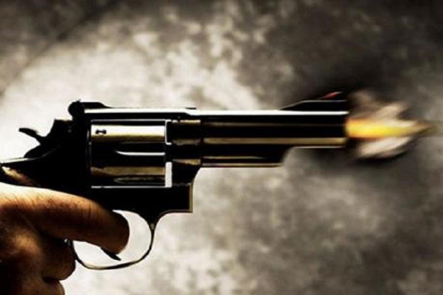 पुण्यात गोळीबार, दोघांच्या भांडणात तिसऱ्याचा मृत्यू