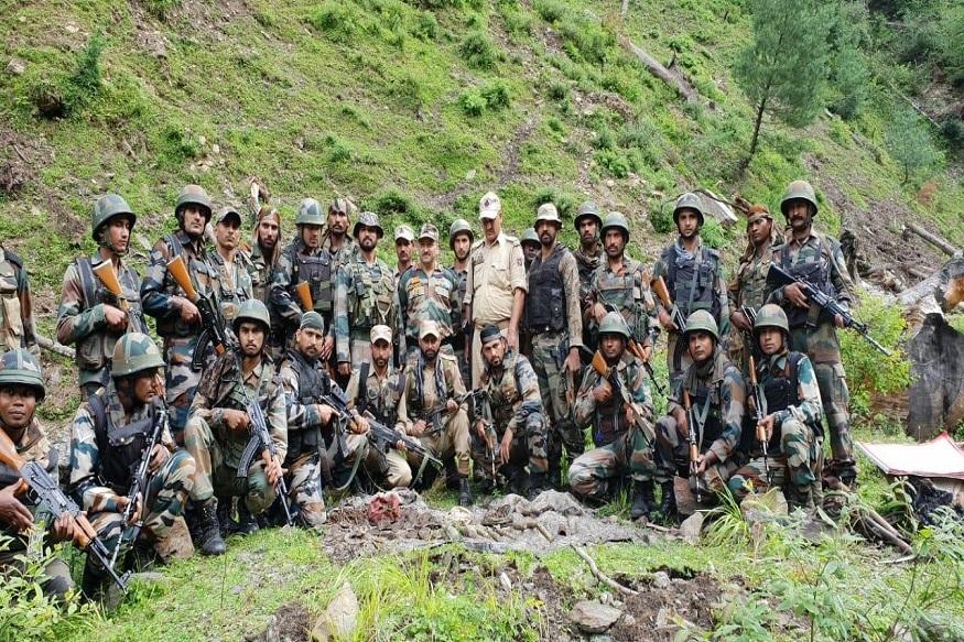 370 नुसार काश्मीरमध्ये पराराष्ट्र, अर्थ, संरक्षण आणि दूरसंचार वगळता इतर विभागात केंद्राचा कायदा लागू करण्यासाठी राज्य सरकारची संमती आवश्यक होती.