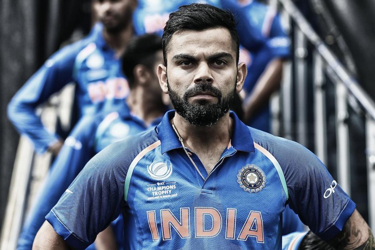 भारतीय संघाचा कर्णधार विराट कोहलीच्या नावावर आज अनेक रेकॉर्ड्स आहेत. आज बरोबर 11 वर्षांआधी कोहलीनं भारतीय संघात पदार्पण केले होते. 2008मध्ये श्रीलंकेविरोधाच झालेल्या कसोटी सामन्यात विराटनं आंतरराष्ट्रीय क्रिकेटमध्ये आपले पहिले पाऊल टाकले.
