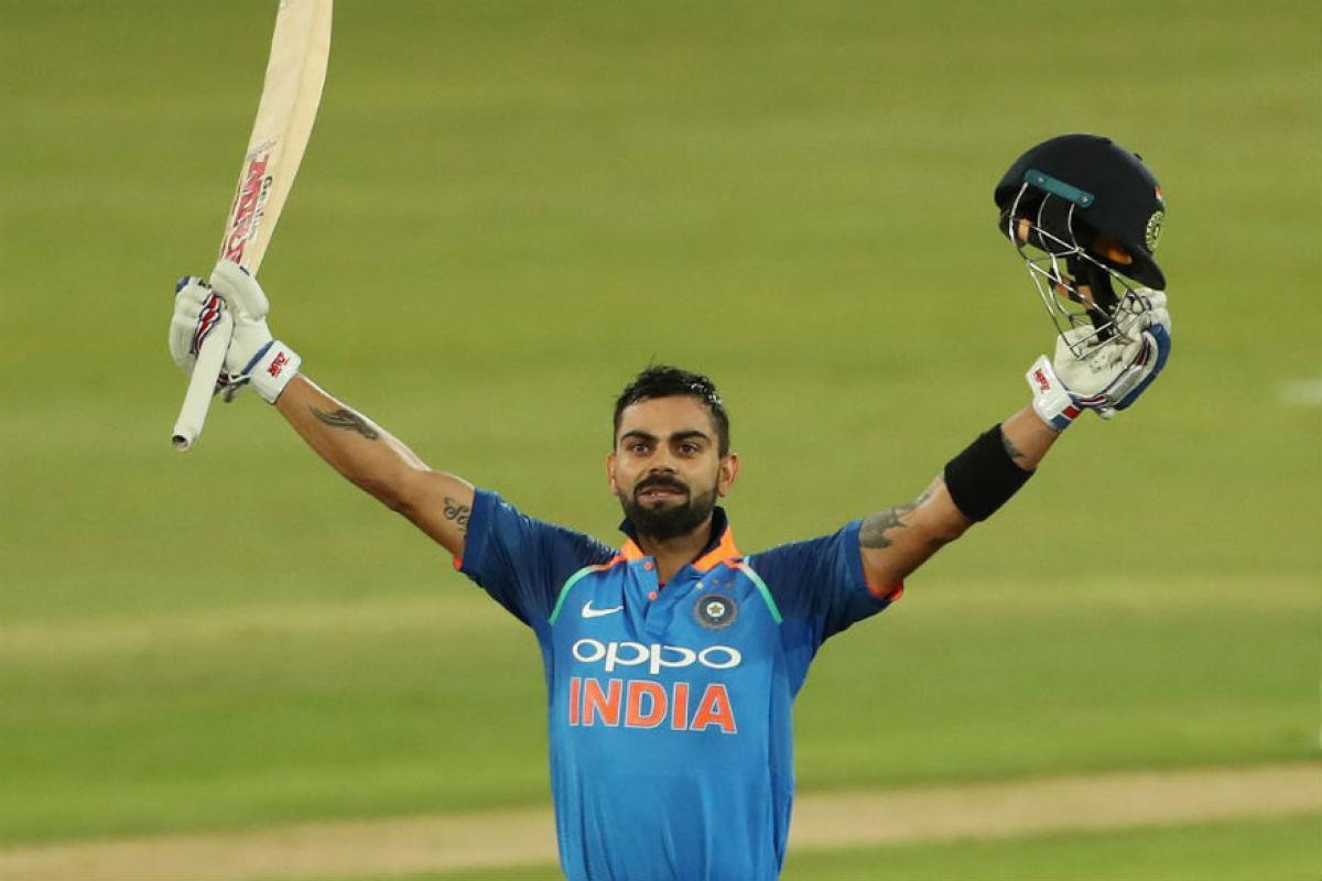 विराटच्या नावावर एकदिवसीय क्रिकेटमध्ये 11 हजार 520 धावा, कसोटी क्रिकेटमध्ये 6 हजार 613 धावा आणि टी-20मध्ये 369 धावा आहेत. सचिनचे विक्रम मोडणारा विराट हा एकमेव फलंदाज आहे.