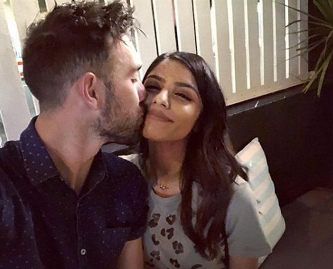 दरम्यान विनी आणि मॅक्सवेल कधी लग्न करणार याबाबत माहिती नसली तरी, मॅक्सवेल लवकरच भारताचा जावई होणार असे दिसत आहे.