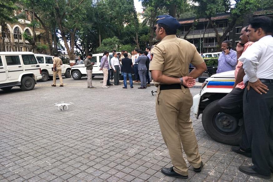 देशाची आर्थिक राजधानी असलेल्या मुंबईवर सतत कुठला का कुठला धोका असतो. त्यामुळे मुंबई पोलिसांना सगळ्या प्रकारे मुंबईच्या सुरक्षेसाठी तत्पर राहावं लागतं. त्याचाच एक भाग म्हणजे नुकत्याच एक नव्या technology ची मुंबई पोलिसांनी चाचणी घेतली आहे.