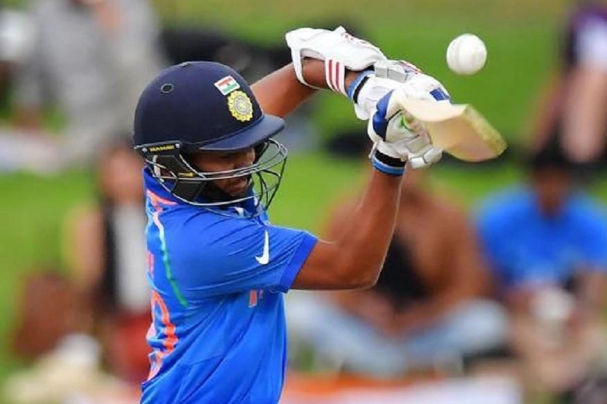 फॉर्ममध्ये असलेला हिटमॅन रोहित शर्माचा 2023 चा वर्ल्ड कप अखेरचाच असेल. त्याच्या जागी संघात पृथ्वी शॉला संधी मिळू शकते. कमी वयात आपल्या कामगिरीने सर्वांचे लक्ष वेधून घेतलेल्या पृथ्वी शॉकडे भारतीय क्रिकेटचं भविष्य म्हणून पाहिलं जात आहे.