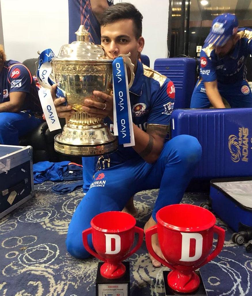राहुल चहरच्या योगदानामुळं 2019मध्ये मुंबईला चॅम्पियनपद मिळाले . मुंबई इंडियन्सकडून त्यानं 13 सामन्यात 13 विकेट घेत महत्त्वाची भूमिका बजावली. प्रत्येक सामन्यात त्यानं 7 पेक्षा कमी धावा दिल्या.