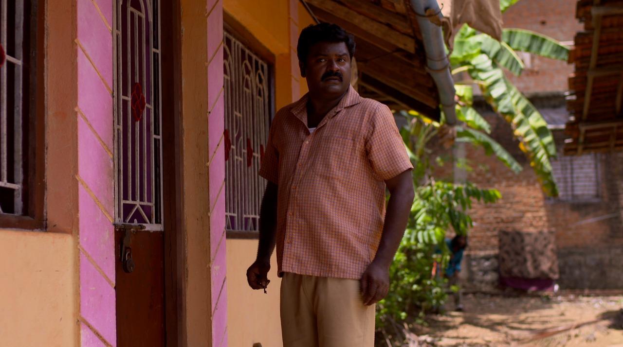 चोंट्या नशेत चावी पांडूला देतो आणि पांडूकडून ती दत्ताला मिळते.