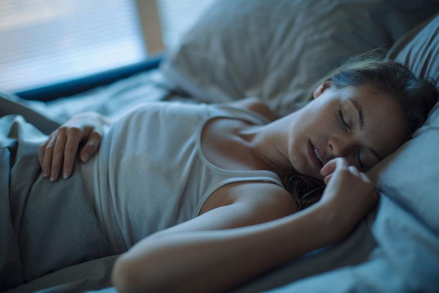 अॅलर्जी- ढेकूण चावल्यामुळे त्वचा जळल्यासारखी वाटते आणि लाल चट्टे उठतात. तसेच काही वेळा फोडही येतात. याशिवाय कधी- कधी गंभीर अॅलर्जीही होऊ शकते.