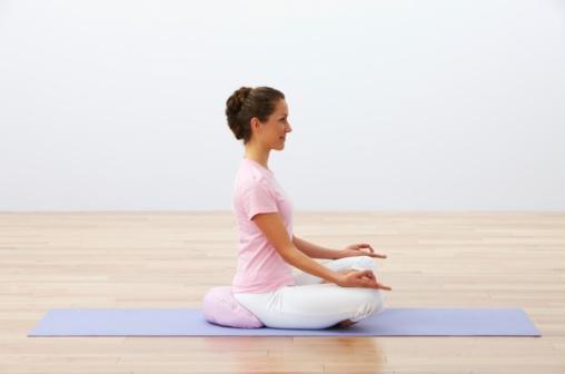 वजन कमी करण्यासाठी या मुद्रेचा उपयोग केला जातो. याशिवाय पोटाच्या विकारांसाठीही ही मुद्रा फायदेशीर आहे. मनातली अस्वस्थता आणि चिंता कमी होऊन मन शांत होतं. ही मुद्रा शरीराची सूज कमी करून शरीर फार हलकं वाटतं.