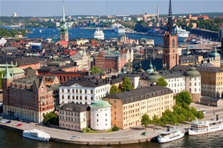 स्वीडन त्यांच्या देशात बाळाच्या जन्मावेळी फक्त आईलाच नाही तर वडिलांनाही 16 महिन्यांची म्हणजे 480 दिवसांची पेड लीव्ह देतं.
