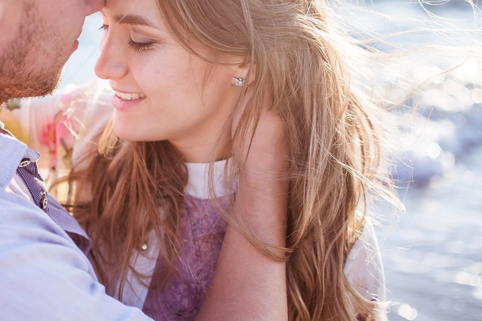 शारीरिक संबंधानंतर मुली जशा अस्वस्थ असतात, तशीच काहीशी परिस्थिती मुलांचीही असते. काही वेळासाठी त्यांना पार्टनरपासून अंतर ठेवून राहावसं वाटतं.