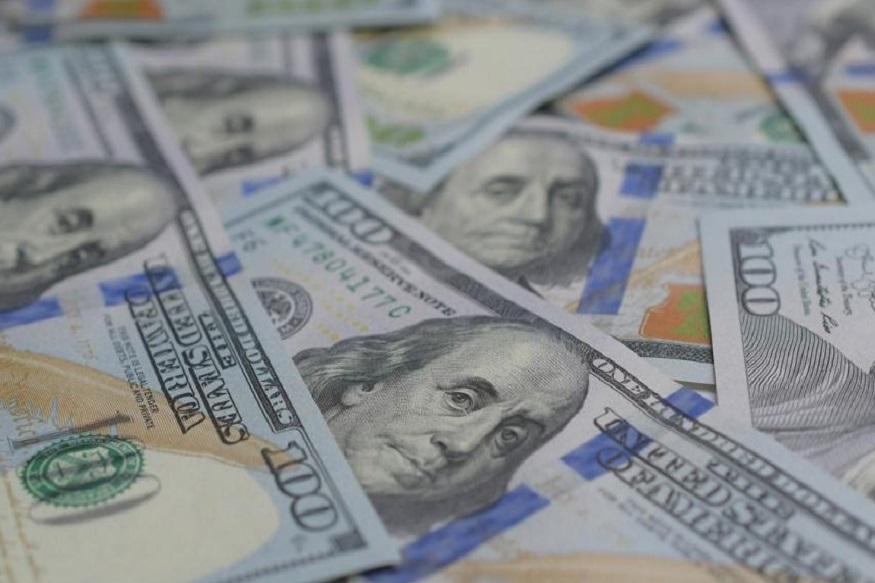 बँकेकडून पैसे ट्रान्सफर करताना अकाउंट नंबर चुकीचा टाकला गेला. यामुळं 1 लाख 20 हजार डॉलर विल्यम्स आणि त्याच्या पत्नीच्या खात्यावर जमा झाले.