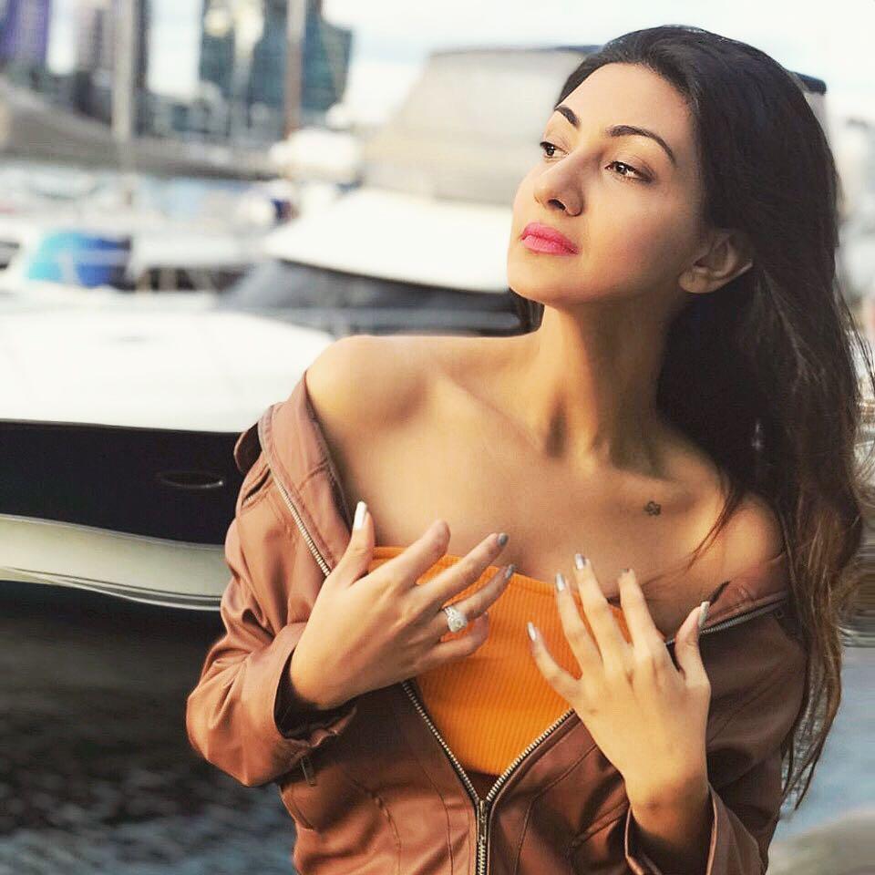 निलम ही साउथ मधील एक प्रसिद्ध अभिनेत्री आहे आणि तिनं अनेक तेलुगू सिनेमांमध्ये काम केलं आहे. (फोटो- इन्स्टाग्राम)