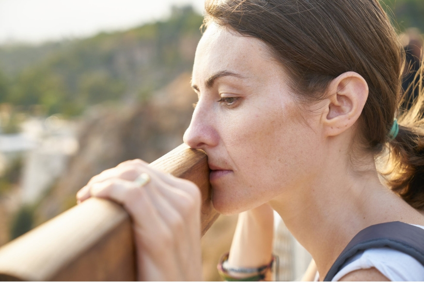 गर्भनिरोधक गोळ्यां खाल्ल्यानंतर काही महिलांना थकवा, अशक्तपणा जाणवतो. काीह महिलांच्या लिबिडोमध्ये बदल पाहण्यात आला. याशिवाय स्तनांमध्ये दुखणं आणि कडकपणा जाणवला.