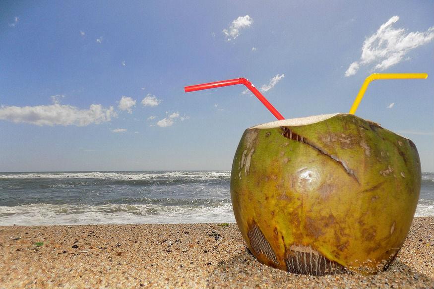 जर तुम्हाला वजन कमी करायचं आहे त्यासाठीही नारळाचा पाणी हा एक उत्तम पर्याय आहे.