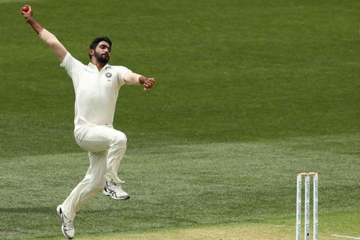 बुमराहनं, इंग्लंडमध्ये क्रिकेट खेळल्यामुळं त्याचा फायदा वेस्ट इंडिजमध्ये झाला. ड्यूक चेंडूनं गोलंदाजी केली. त्यामुळं इनस्विंग आणि आऊटस्विंगसाठी आत्मविश्वास मिळाला, असे सांगितले.