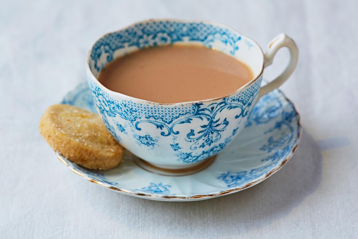 हर्बल चहा- एक कप हर्बल चहा तुमच्या शरीराला आणि मेंदूला आराम देतं. आल्याचा चहा हा उत्तम हर्बल चहा आहे.