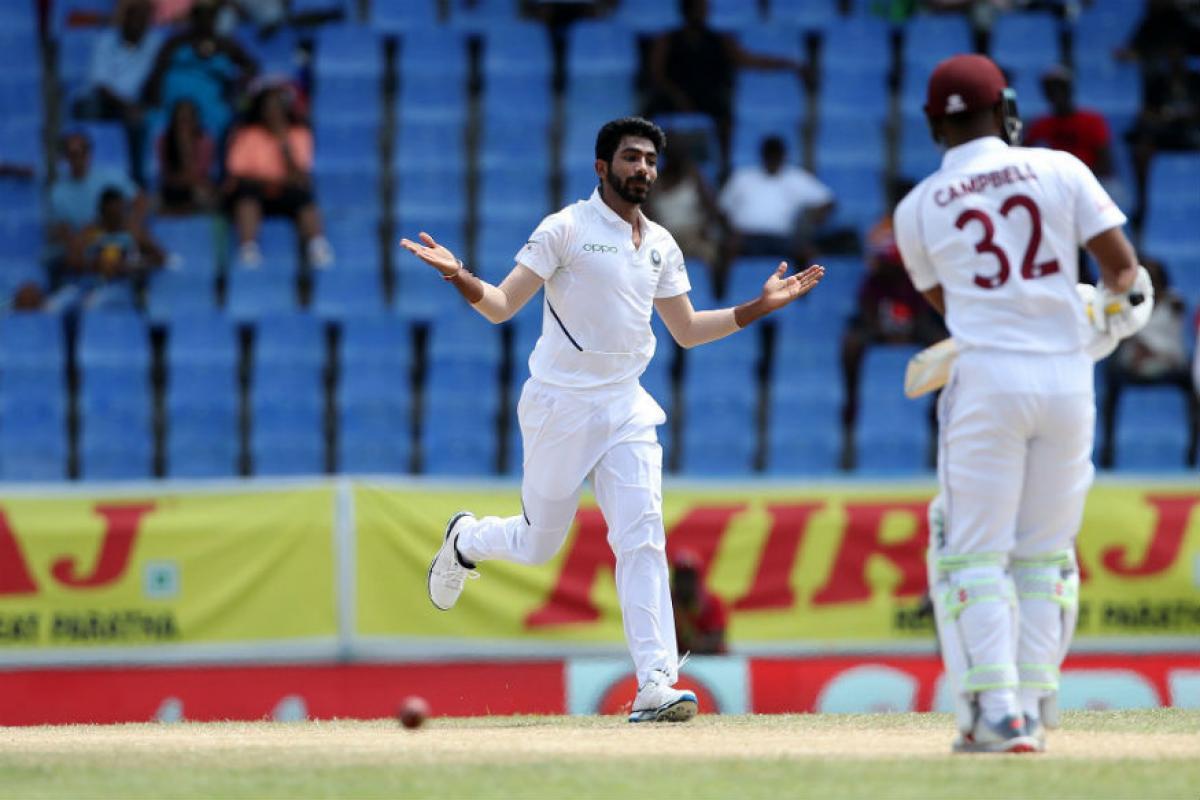 बुमराहनं 12.2 ओव्हरमध्ये 27 धावा देत 6 विकेट घेतल्या. तर पहिल्या कसोटी सामन्यात सात धावा देत 5 विकेट घेतल्या. त्यामुळं वेस्ट इंडिजमध्ये बुमराह चांगल्याच फॉर्ममध्ये आहे.