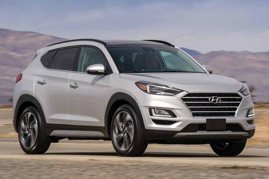 Tucson कारवर तब्बल 2 लाख रुपयांची सूट देण्यात येत आहे. या कारची किंमत 18.77 लाख रुपये असून पेट्रोल आणि डीझेल या दोन्ही कारवर सूट मिळणार आहे.