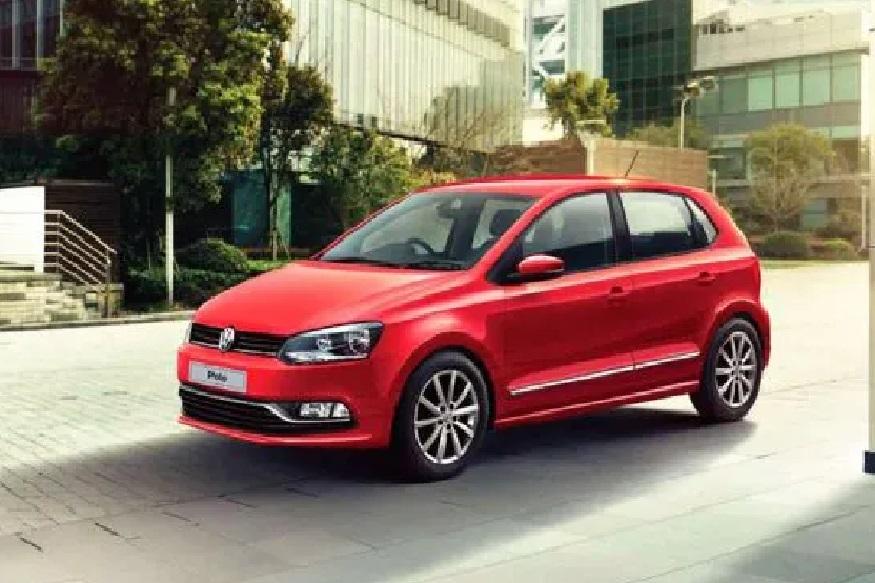 Volkswagen Polo डीझेल हायलाइन वेरिएंटच्या कारवर 1 लाख 16 हजार रुपयांचा डिस्काउंट दिला जात आहे. याशिवाय वेगळे फायदे मिळणार आहेत.