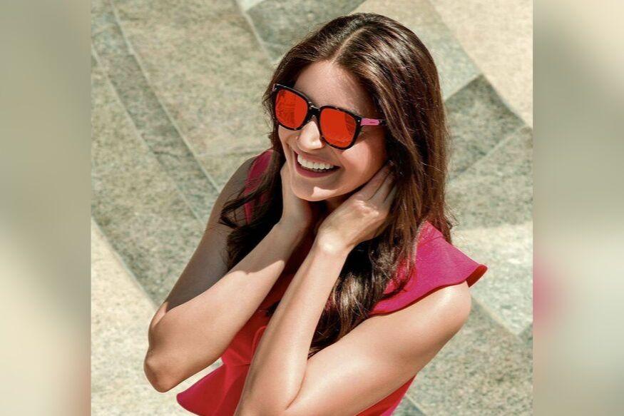 बॉलिवूड अभिनेत्री अनुष्का शर्मा फक्त तिच्या अभिनयासाठीच नाही तर तिच्या सौंदर्यासाठीही ओळखली जाते. त्यामुळे अनेकांच्या तिच्या हेल्दी आमि ग्लोइंग स्कीनचं रहस्य जाणून घेण्याची उत्सुकता असते.
