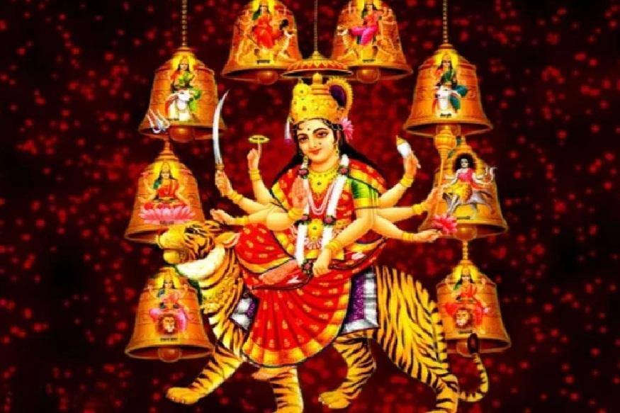 शारदीय नवरात्राला आजपासून सुरुवात झाली आहे. आदिशक्तीचा जागर, देवीच्या दर्शनासाठी अनेक मंदिरांमध्ये भाविकांची मांदियाळी पाहायला मिळत आहे.