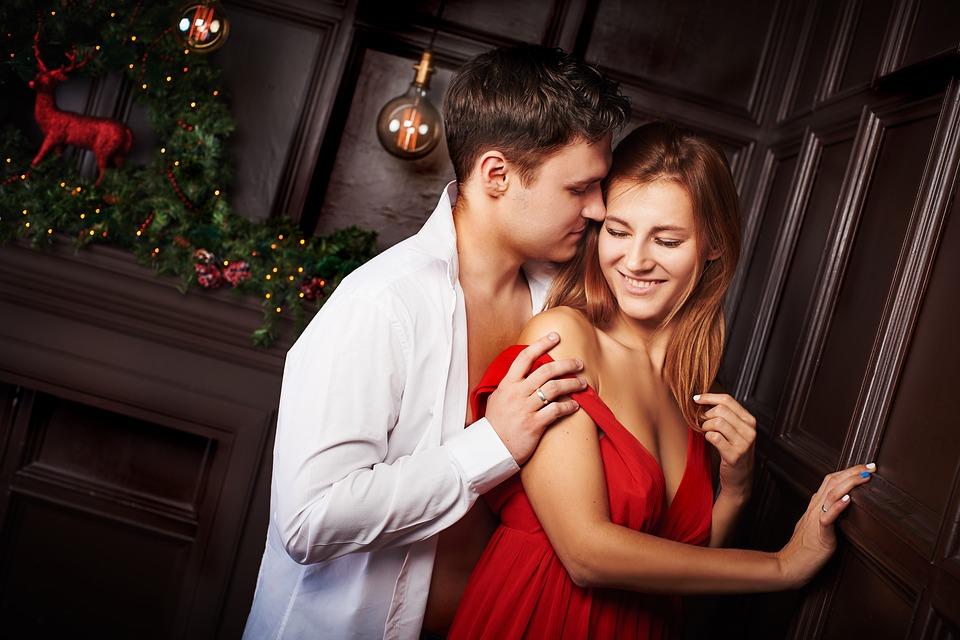 या सर्वापेक्षा महत्त्वाची गोष्ट म्हणजे प्रत्येक पावलांवर त्यांच्यासोबत असणाऱ्या पुरुषांच्या महिला प्रेमात पडतात.