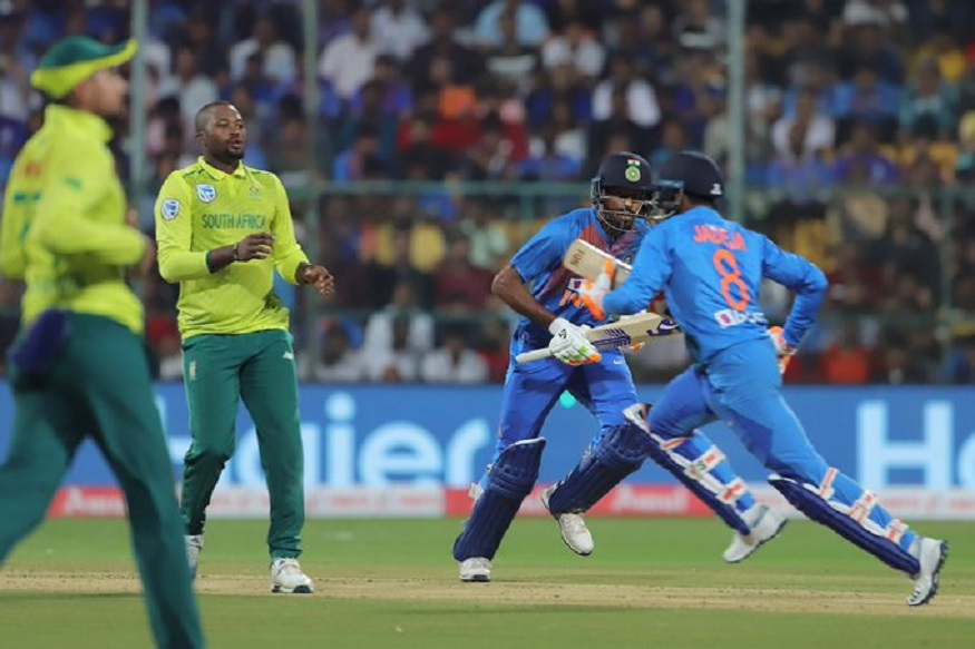 पुढच्या वर्षी ऑस्ट्रेलियात होणाऱ्या टी-20 वर्ल्ड कपमध्ये भारतीय संघात अजूनही मधल्या फळीत चांगले फलंदाज नाही. याचा प्रत्यय दक्षिण आफ्रिका विरोधात झालेल्या अखेरच्या टी-20 सामन्यात झाला.