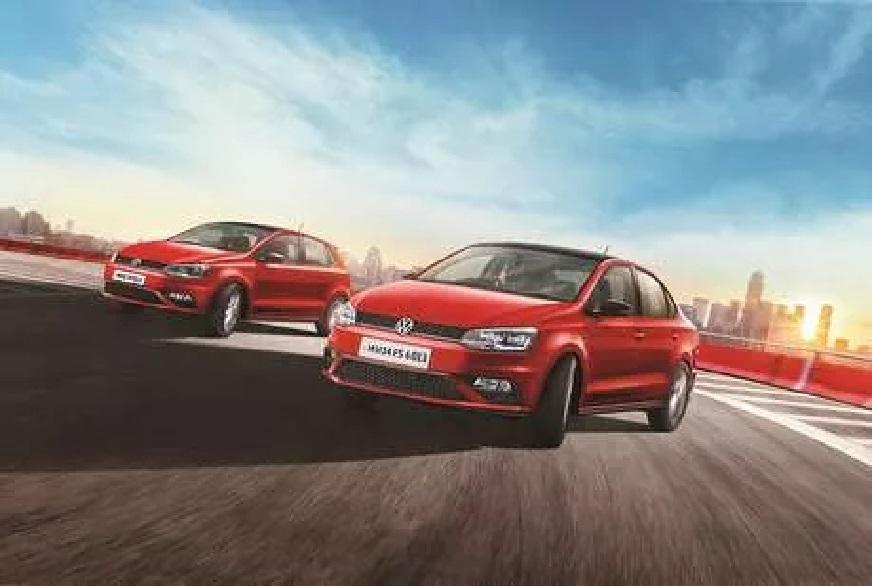 Volkswagen कंपनी कार खरेदीवर 4 लाख 50 हजार रुपयांपर्यंत सूट देत आहे. कंपनीने Polo, Vento, Ameo आणि Tiguan या डिझेल वेरिएंटचे कार्पोरेट एडिशन लाँच केलं होतं. यावर आता मोठी सूट दिली जात आहे.