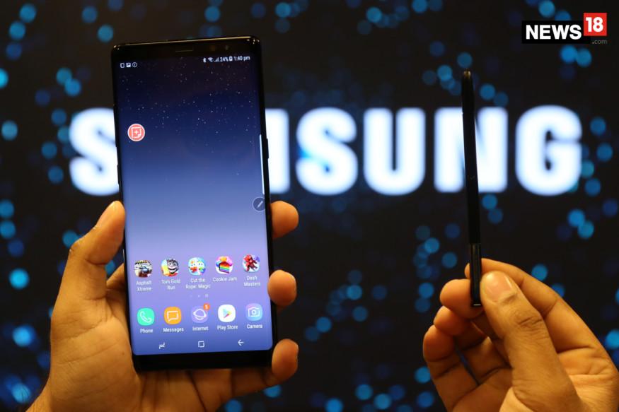 या यादीत चौथ्या स्थानावर दक्षिण कोरयाची कंपनी सॅमसंग इलेक्ट्रॉनिकचं नाव येतं. सॅमसंग कंपनी प्रत्येक मिनिटाला 54.03 लाख रुपये आणि दिवसभरात 7.78 अब्ज रुपयांची कमाई करते.