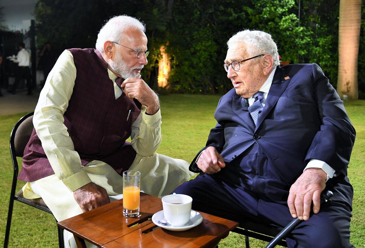 2007 नंतर पहिल्यांदाच अशा प्रकारची बैठक भारतात आयोजित करण्यात आली होती. या बैठकीला अनेक बडे उद्योगपतीही उपस्थित होते. या सगळ्या दिग्गजांशी पंतप्रधानांची उत्तम केमेस्ट्री दिसून आली.
