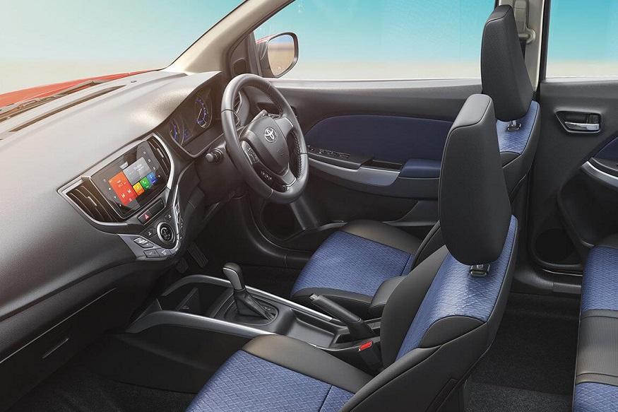 कारमध्ये अँड्रॉइड ऑटो आणि अॅपल कार प्लेसह 7 इंच टचस्क्रीन इन्फोटेनमेंट सिस्टीम, स्पीकर्स, स्टिअरिंग माउंटेड ऑडिओ आणि कॉलिंग कंट्रोल, व्हाइस कमांड ही फीचर्सही आहेत.