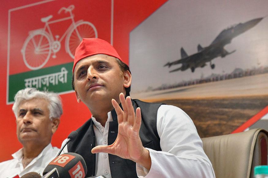 ADR इंडियाच्या रिपोर्टनुसार देशातील स्थानिक पक्षांमध्ये सर्वाधिक श्रीमंत समाजवादी पक्ष आहे. आज आपण देशातील अशा 10 श्रीमंत स्थानिक राजकीय पक्ष आणि त्यांच्या संपत्तीबद्दल माहिती घेऊ...