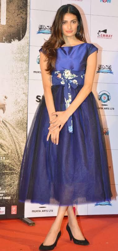 या चित्रपटातल्या गाण्यात तिची 'फर्स्ट नाइट' दाखविण्यात आली असून ती त्यात हॉट दिसतेय.