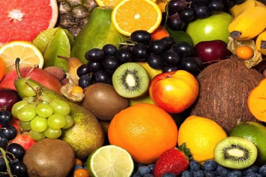 आहारात फळांना अतिशय महत्त्व असून दरोजच्या आहारात फळं असतील तर तुम्ही निरोगी राहू शकता. त्यासाठी पाच फळं खाल्ली तर तुम्ही आयुष्यभर तरुण राहू शकता.