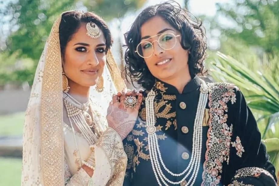 या हिंदू-मुस्लिम लेस्बियन कपलने कॅलिफोर्नियात लग्न केलं होतं. या दोघींच्या लग्नाचे फोटो सोशल मीडियावर व्हायरल होत आहेत. (Photo Instagram )