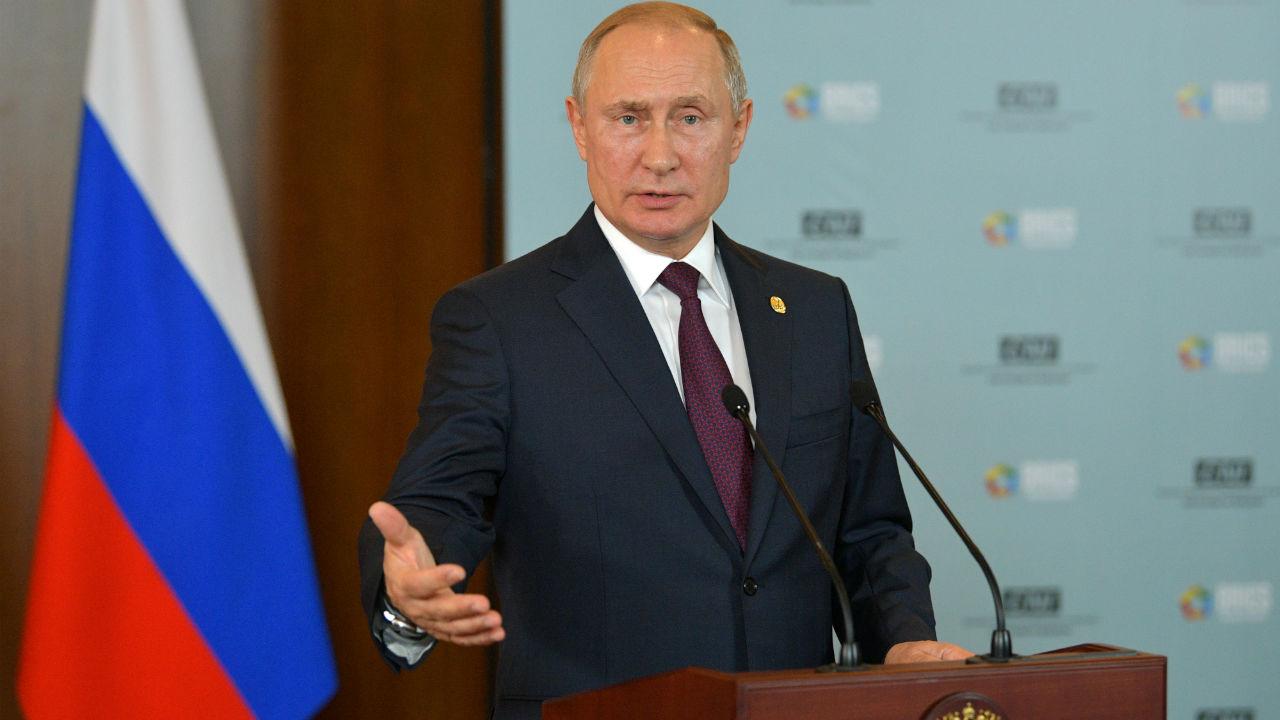 रशियाचे राष्ट्राध्यक्ष व्लादिमीर पुतिन यांनाही या यादीत स्थान आहे.
