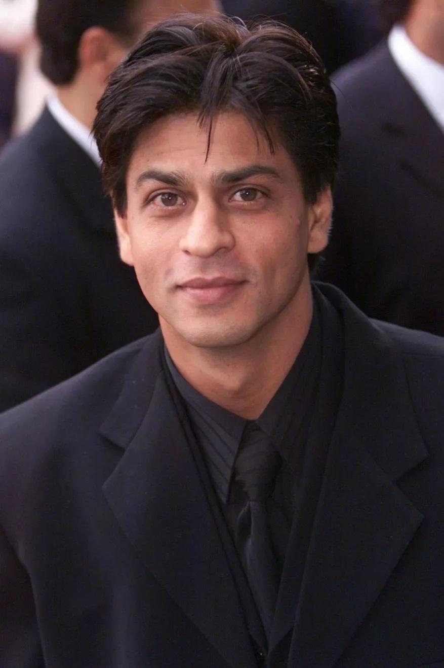 शाहरुख खानच्या वाढदिवसानिमित्त एका क्लिकवर पाहा त्याचे कधीच न पाहिलेले दुर्मिळ फोटो...