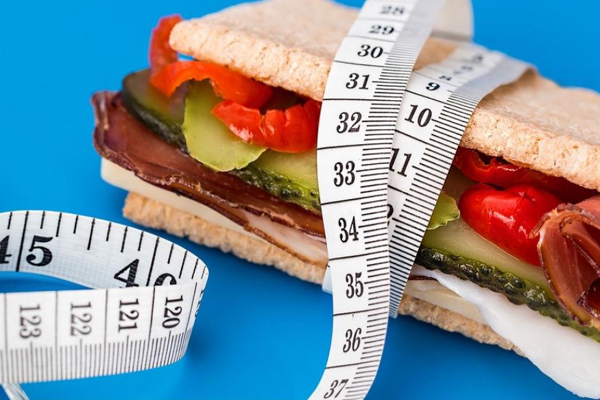 लाइफस्टाईलमध्ये सगळ्यात महत्त्वाचं आहे तो आपला आहार. जंक फुड आणि सतत बाहेर खाण्यामुळे आजारांचा सामना करावा लगातोय.