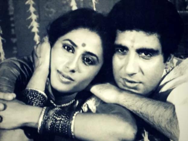 राज यांनी स्मितांसाठी पत्नी नादिया बब्बर यांना घटस्फोट दिला. या दोघांचं लग्न हे त्यांच्या चाहत्यांसाठी आणि मीडियासाठी खूप मोठा झटका होता. ज्यामुळे स्मिता आणि राज यांना बरीच टीका सहन करावी लागली.