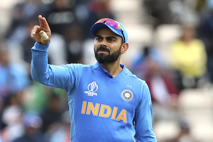 ऑस्ट्रेलिया (Australia) ने भारत (India) ला पहिल्याच एकदिवसीय सामन्यात 10 गडी राखून एकहाती सामना खिश्यात घातला. टीम इंडिया निर्धारित पूर्ण 50 षटक ही खेळू शकला नाही आणि 255 धावांवर सर्वबाद झाला. 255 धावांचा पाठलाग करत असताना ऑस्ट्रेलियाची सलामीची जोडी डेविड वॉर्नर आणि एरोन फिंचने शतकी खेळी करून सहज विजय मिळवला. या दोन्ही खेळाडूंनी भारतीय गोलंदाजाची अक्षरश: धुलाई केली आणि 37.4 षटकात विजय मिळवला.