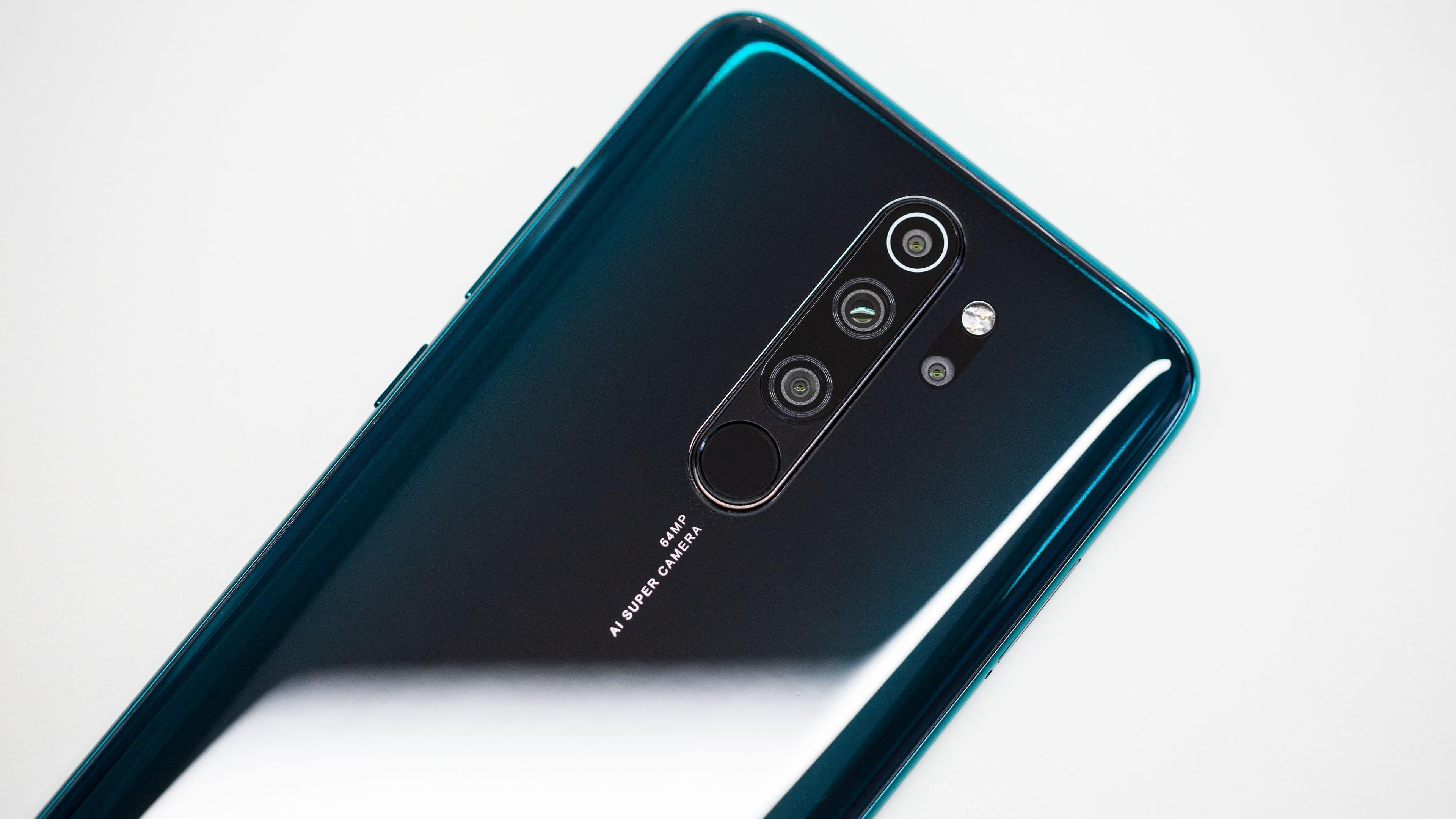 Redmi Note 8 Pro 6GB64GB आणि 8128 GB स्टोअरेज असे दोन वेरियंट या मोबाईलमध्ये उपलब्ध आहेत. त्यापैकी 6 GB वेरियंट असलेला मोबाईल तुम्हाला 15 हजार पर्यंत मिळणार आहे. 648 मेगापिक्सल कॅमेरा आणि 4500 mAh Battery बॅटरी या मोबाईलमध्ये मिळणार आहे. निळा, काळा आणि पांढरा अशा तीन रंगात हा मोबाईल तुम्हाला उपलब्ध होईल.