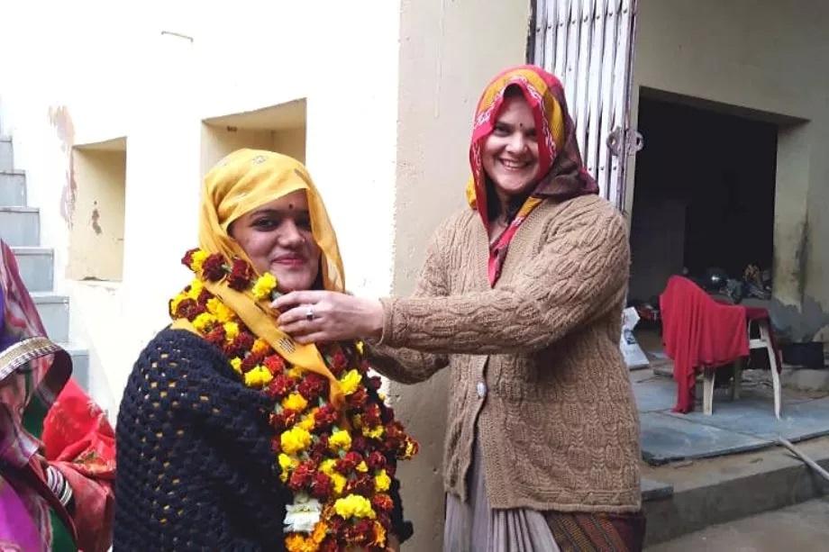 राजस्थानमध्ये तीन टप्प्यात सरपंच निवडणुका होत आहेत. पहिल्या टप्प्यातील निवडणुका 17 जानेवारी रोजी घेण्यात आल्या आहेत.