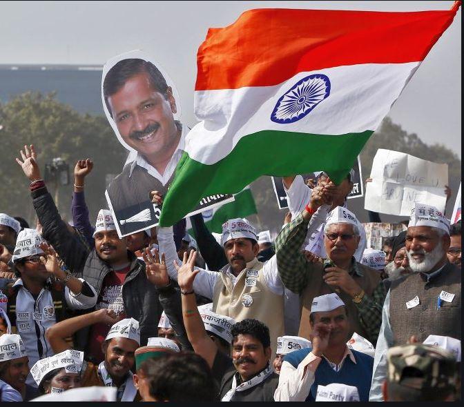 दिल्ली विधानसभा : दिल्ली विधानसभा निवडणुकीचं रणशिंग फुंकलं गेलं आहे. दिल्लीत भाजपसमोर अरविंद केजरीवाल यांच्या रुपाने मोठं आव्हान आहे. दिल्लीत अरविंद केजरीवाल यांच्या आम आदमी पार्टीचं पारडं जड असल्याचं बोललं जात आहे. या पार्श्वभूमीवर केजरीवाल यांना धक्का देत सत्ता काबीज करण्याचा चमत्कार जे.पी.नड्डा करतात का, हे पाहणं महत्त्वाचं ठरणार आहे.