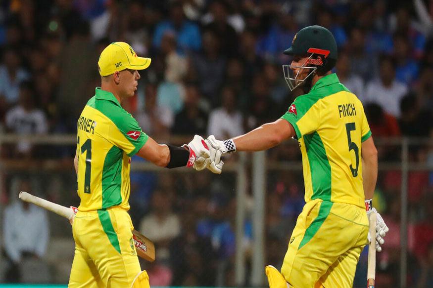 ऑस्ट्रेलियाची शानदार खेळी : भारताच्या पराभवाचे आणखी एक कारण म्हणजे ऑस्ट्रेलियाची शानदार खेळी. वर्ल्ड कप 2019 च्या सेमीफायनलच्या नंतर पहिल्यांदाच आमनेसामने आलेल्या ऑस्ट्रेलियाच्या टीमची फूल फॉर्ममध्ये दिसून आली. गोलंदाजी, फलंदाजी आणि क्षेत्ररक्षणात ऑस्ट्रेलियन खेळाडूंनी चमकदार कामगिरी केली. भारतीय गोलंदाजावर त्यांनी कायम दबाव निर्माण केला. भारतीय फलंदाजांनी प्रयत्न केला पण धावा घेण्यास यशस्वीपणे रोखलं. त्यानंतर फलंदाजीची वेळ आली तेव्हा वॉर्नर आणि फिंच भारतीय गोलंदाजांवर तुटून पडले होते.