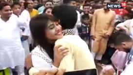 VIDEO : ईद मुबारक हो!,तरूणीची गळाभेट घेण्यासाठी तरुणांची लागली रांग